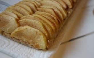 La tarte aux pommes sur base de flocons d'avoine