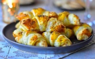 Croissant au saumon et fromage ail et fines herbes
