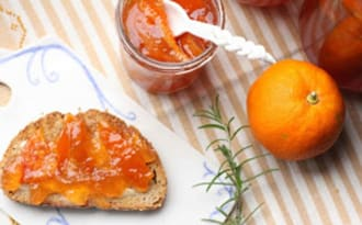 Marmelade super simple au romarin et au cognac