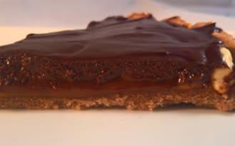Tarte chocolat, caramel et cacahuètes