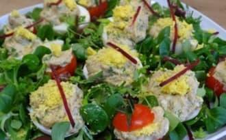 Oeufs mimosas au thon et au curry