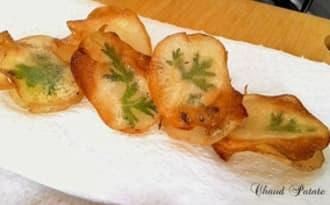 Chips décorés aux herbes fraîches