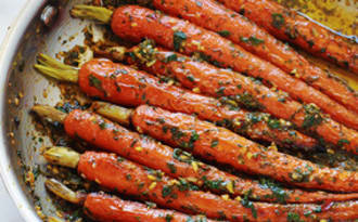 Carotte en sauce citronnée aux herbes et épices