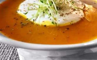 Soupe au potiron et crème à la cannelle