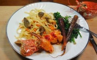 Homard rôti, linguine aux pleurotes et patate douce