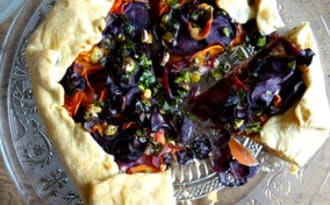 Tarte aux carottes et sauce tahin