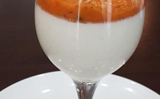 Panna cotta parmesan tomates