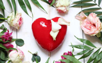 Entremets de saint-valentin framboise et passion