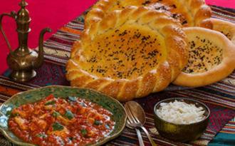Naan Roghan bread et poulet Tikka massala