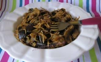 Pâtes à l'aubergine et champignons