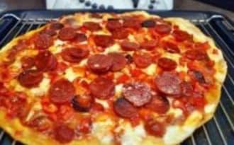 Pizza chorizo poivrons