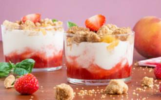 Trifle fraises, fromage blanc et crumble amandes