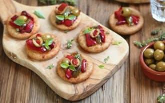 Mini pizzas aux poivrons et olives