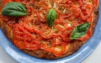 Tarte fine à la tomate d'été