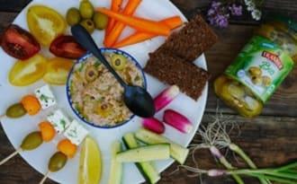 Plateau de crudités et rillettes de thon aux olives vertes