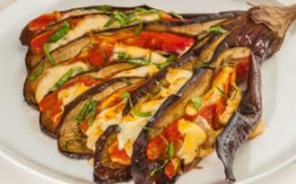 Eventail d'aubergine tomate mozzarella
