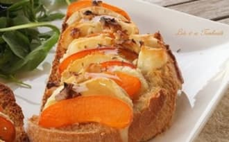 Bruschettas d'abricots et crottin de Chavignol