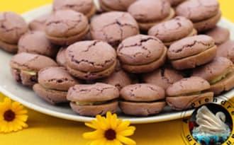 Macarons craquelés chocolat blanc myrtilles
