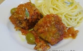 Boulettes de boeuf coeur Mozzarella, sauce tomate à la sauge