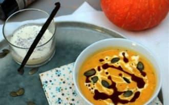 Velouté de potimarron, crème vanillée et huile de pépins de courge