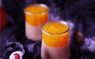Panna cotta au chocolat au lait et kaki pour Halloween