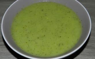 Potage aux courgettes-poireaux et sa purée spéciale