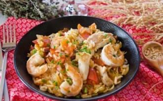 Jambalaya poulet et crevettes au riz de Camargue