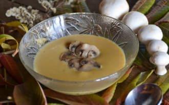 Crème de courge butternut aux champignons de Paris