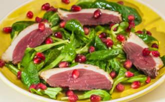 Salade de magret séché de canard à la grenade
