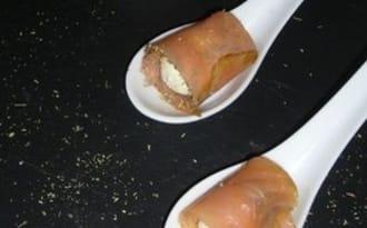 Roulés de saumon fumé au boursin