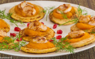 Blinis à la courge butternut et aux saint jacques