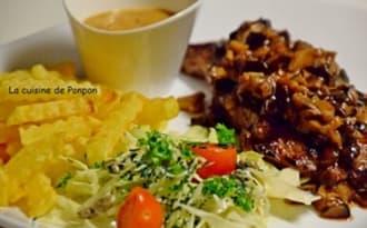 Steak de boeuf accompagné de champignons des bois et sauce au poivre Christian Potier