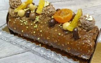 Bûche chocolat,ganache montée chocolat, clémentines corses, glaçage praliné