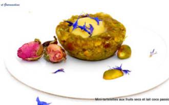 Mini-tartelettes pistaches, dattes et lait coco mangue passion