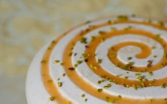 Entremets abricot - pistache - tonka