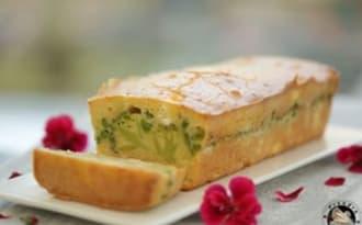 Cake brocoli, petits pois feta