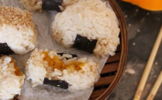 Onigiri courge-sésame-prunes ume
