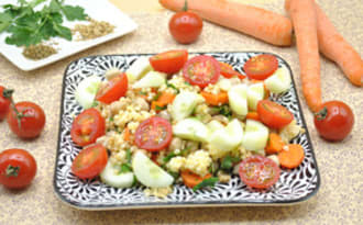 Salade de perles de blé et légumes