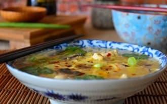 Soupe chinoise au poulet, recette asiatique