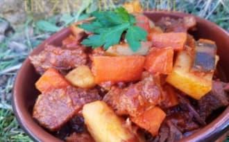 Goulache aux légumes comme en Hongrie