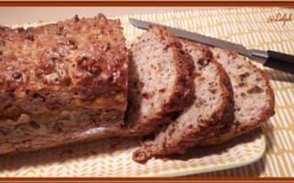 Cake au bacon, moutarde à l'ancienne et Comté