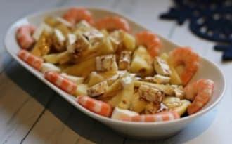 Salade d'ananas aux crevettes et à la feta