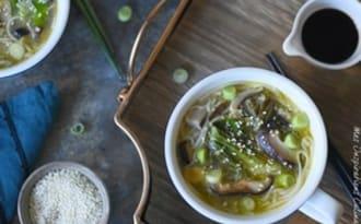 Soupe chinoise au Bok choy et champignons