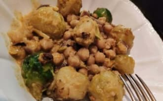Curry de choux de Bruxelles, pois chiches
