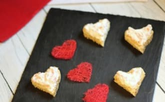 Toasts coeurs au saumon fumé