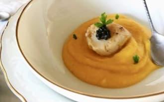 Crème de butternut, St Jacques au caviar d'Aquitaine