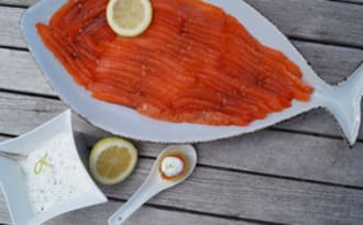 Saumon gravlax sauce citron-ciboulette