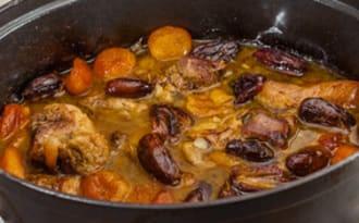 Palette de porc aux dattes et abricots secs