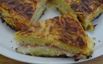 Gâteau de pommes de terre au reblochon et jambon