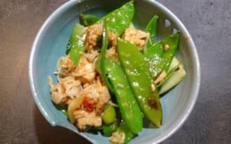 Nouilles au tofu et pois gourmands